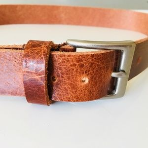 Leather belt with stainless steel hardware